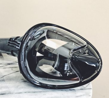 Snorkel Mask in Black