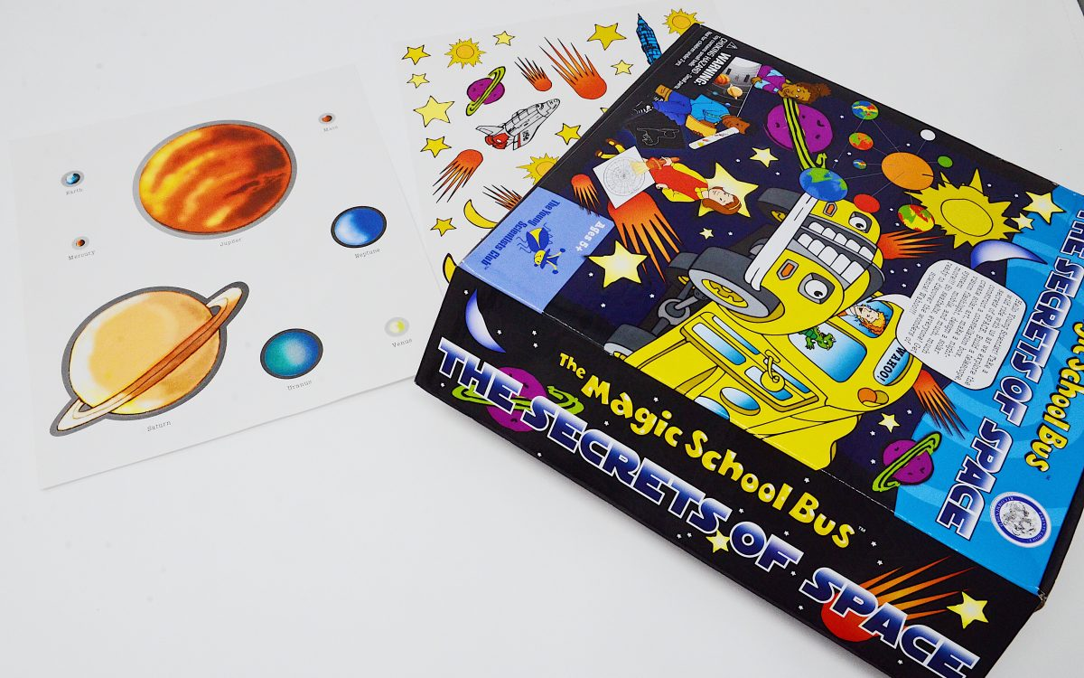 The Magic School Bus The Secrets of Space front white back